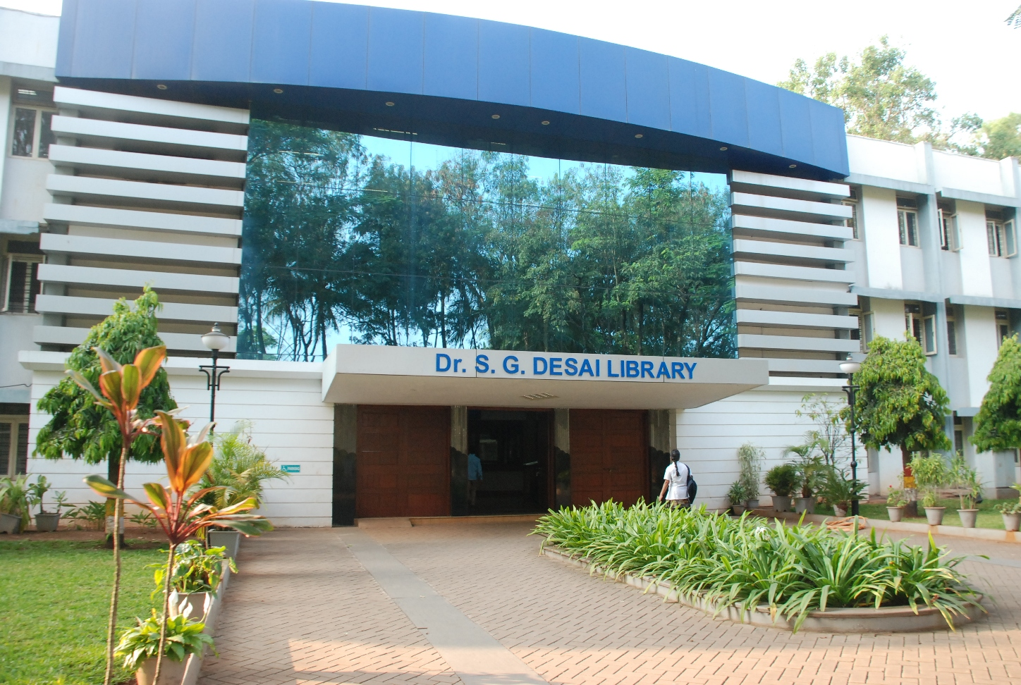 Dr. S.G. Desai -Library